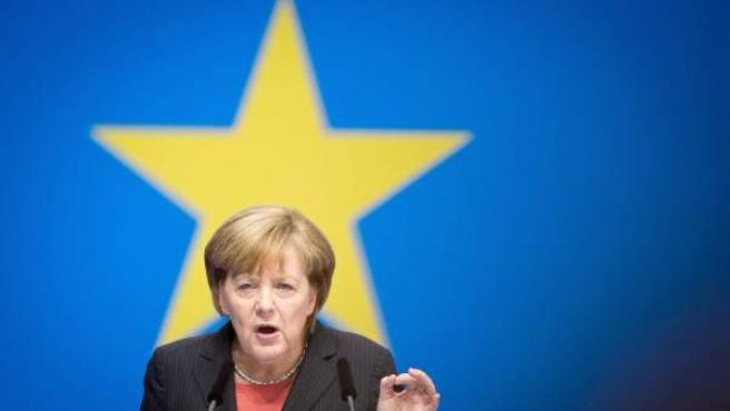 Angela Merkel habla durante la convención de la Unión Cristianodemócrata (CDU), su partido, en Berlín.