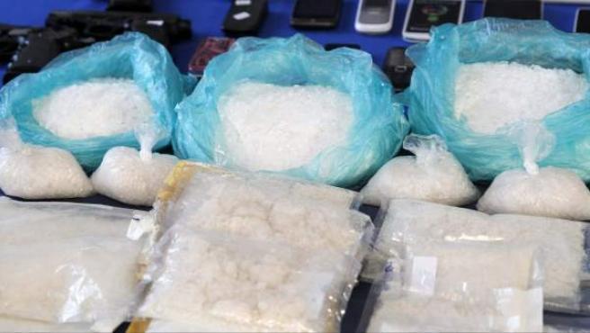 Material intervenido por la Policía Nacional que ha desarticulado, con la detención de 42 personas, dos organizaciones que pretendían extender en España el consumo de shabú.