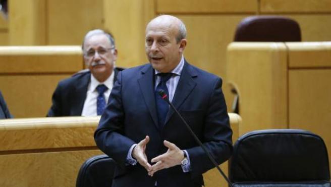El ministro ministro de Educación, Cultura y Deporte, José Ignacio Wert, durante su intervención en una sesión de control al Gobierno celebrada en el Senado.