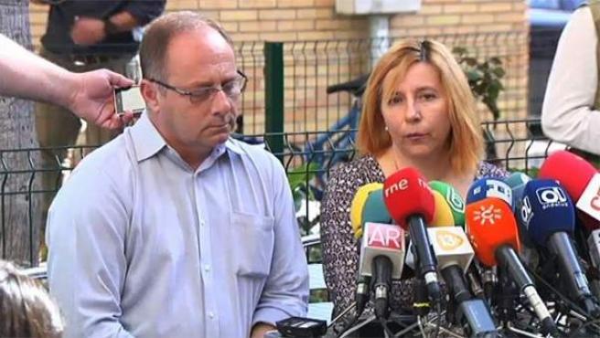 Los padres de Marta del Castillo han mostrado este miércoles su decepción y malestar después de que se descubriera que los restos óseos encontrados en el paraje de Camas no pertenecieran a su hija.