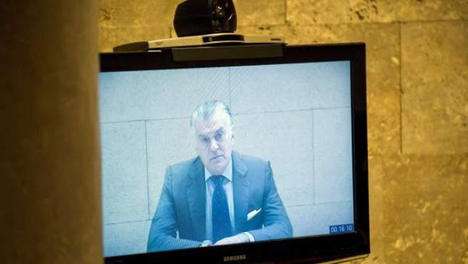El extesorero del PP Luis Bárcenas declara por vídeoconferencia en los juzgados de Toledo.