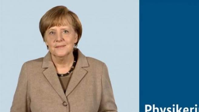 Los integrantes del Gobierno alemán han decidido presentarse ante los ciudadanos en Youtube y este viernes fue el día de la canciller, Angela Merkel, que confiesa en un vídeo sus pasiones: escuchar música clásica, cocinar y charlar con su marido.