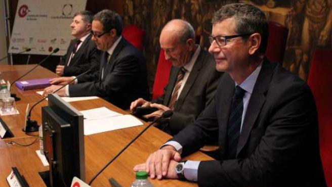 El director de la Red de Aeropuertos de Aena, Fernando Echegaray