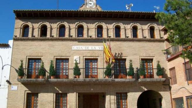 Fachada Del Ayuntamiento De Fuentes De Ebro (Zaragoza)