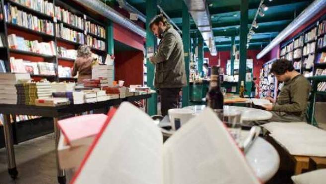 La librería La Buena Vida participa en la Noche de los Libros 2013.
