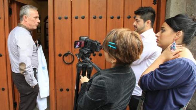 El médico personal de Gabo ha preferido no dar demasiadas explicaciones a los medios antes de entrar este lunes en la vivienda del autor en México DF.