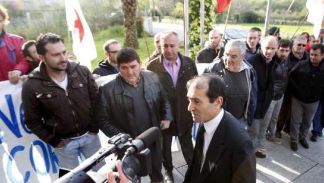 El alcalde de O Porriño tras comparecer en el juzgado.
