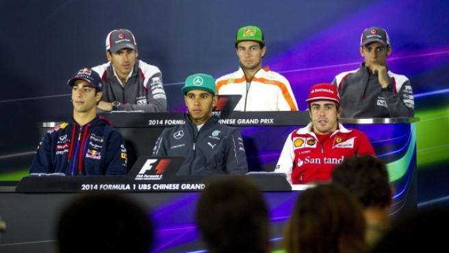 Varios pilotos de Fórmula 1, en la rueda de prensa previa al Gran Premio de China de Fórmula Uno, en Shanghái (China).