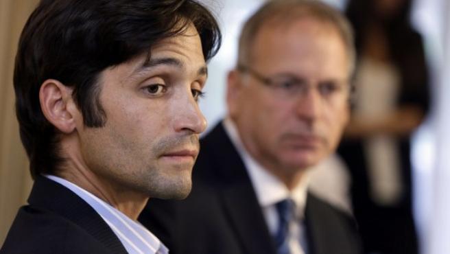 Michael Egan, el joven que ha denunciado al cineasta Bryan Singer por supuesta violación, en una rueda de prensa en Beverly Hills, California.