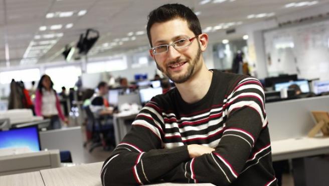 El periodista de '20minutos' Ángel Calleja, en la redacción del diario en Madrid.