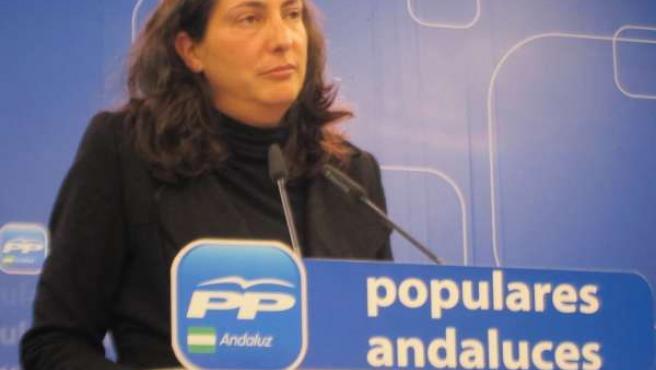 Dolores López Gabarro en rueda de prensa en el PP-A
