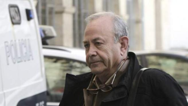 El juez instructor del caso Nóos, José Castro, a su llegada al juzgado de Palma.