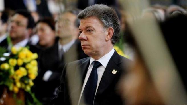 El presidente de Colombia, Juan Manuel Santos, durante un homenaje al fallecido escritor colombiano Gabriel García Márquez, celebrado en la Catedral Primada de Bogota.