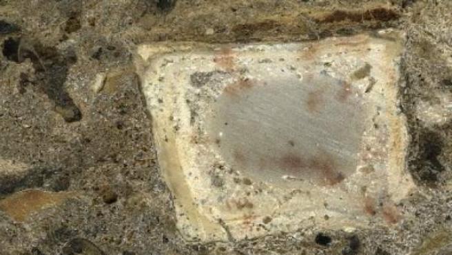 Restos de fuego en una bóveda de una caverna de Israel, datados en aproximadamente 300.000 años de antigüedad.