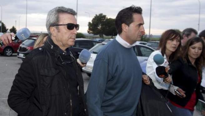 El torero José Ortega Cano ingresa en la prisión de Zuera para cumplir su condena por el accidente de tráfico ocurrido en mayo de 2011 y en el que murió una persona cuando conducía su vehículo todoterreno.