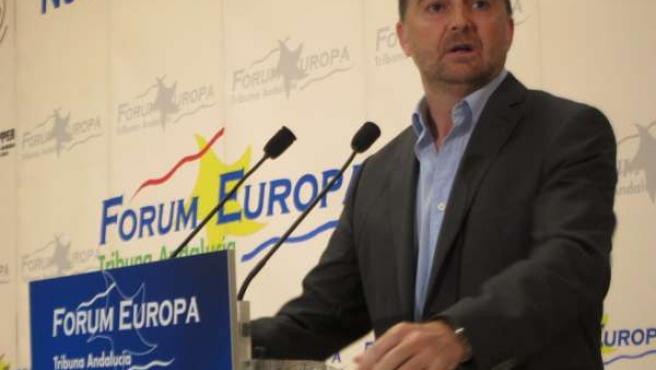 Maíllo interviene en los desayunos del Fórum Europa