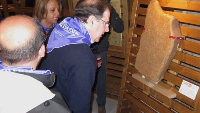 Herrera, en su visita a la Casa de Cultura de Villalar.