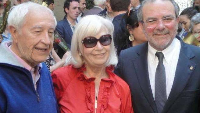 El Presidente De La Diputación J.Reñé, El Escritor J.Vallverdú Y Su Esposa
