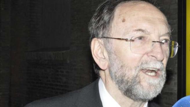 El poeta y fotógrafo José Verón, premio de las Letras Aragonesas 2013.