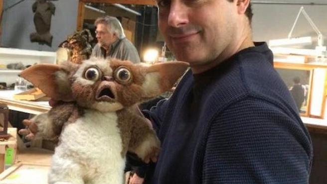 Foto del día: La reunión de Gizmo y Billy ('Gremlins')