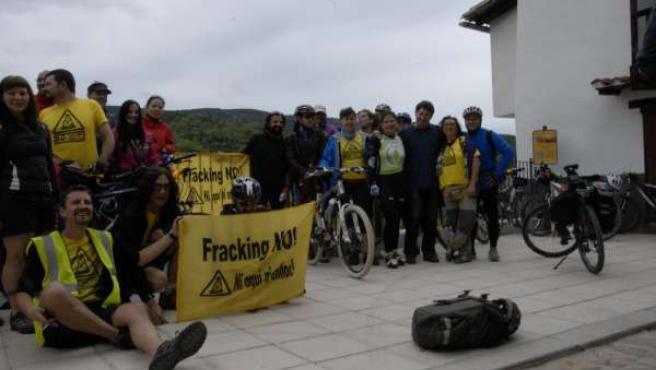 Inicio de la marcha en bici antifracking en Vallibana
