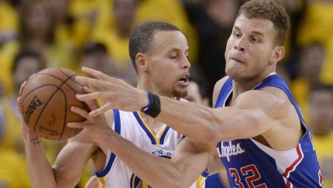 El base Curry fue la clave de los Warriors en la victoria conta los Clipper.