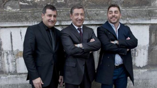 Los chefs españoles Josep Roca, Joan Roca y Jordi Roca, de El Celler de Can Roca de Girona, antes de la gala de la revista Restaurant Magazine.