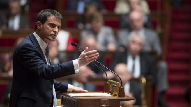 El primer ministro francés, Manuel Valls, pronuncia su discurso ante la Asamblea Nacional en París, Francia.