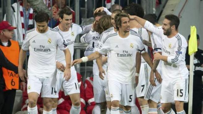 Los jugadores del Real Madrid celebran el segundo gol conseguido ante el Bayern Múnich.