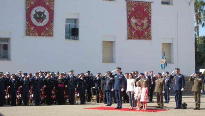 Príncipes de Asturias con las Infantas Doña Leonor y Doña Sofía en la AGA