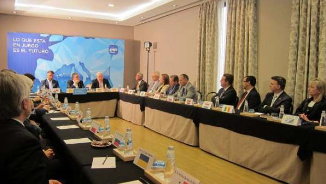 Reunión de Bendodo con el Cuerpo Consular de la provincia de Málaga