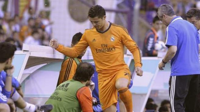 Cristiano Ronaldo lesionado en el partido ante el Valladolid.