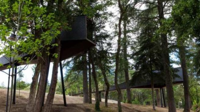 Dos de las tres habitaciones de Pedras Salgadas Spa (Portugal) que se meten en el bosque.