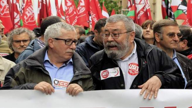 Los dirigentes de CC OO y UGT, Fernández Toxo y Cándido Méndez, en una manifestación.