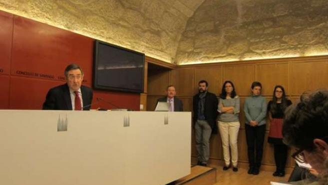 Ángel Currás, alcalde de Santiago, y ediles imputados
