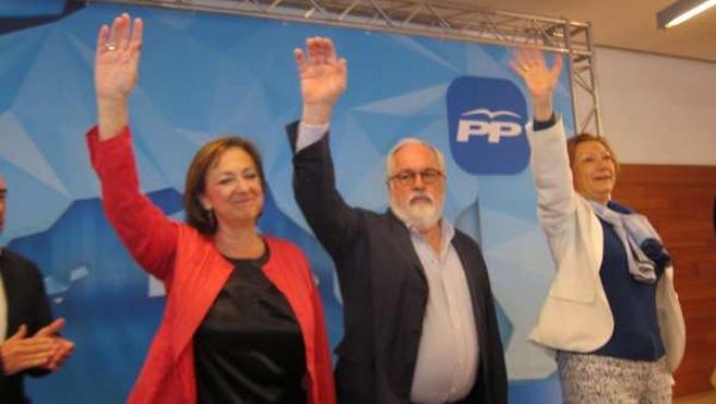 Verónica Lope, Miguel Arias Cañete y Luisa Fernanda Rudi