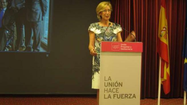 La líder de UPyD, Rosa Díez, en un acto en Sevilla