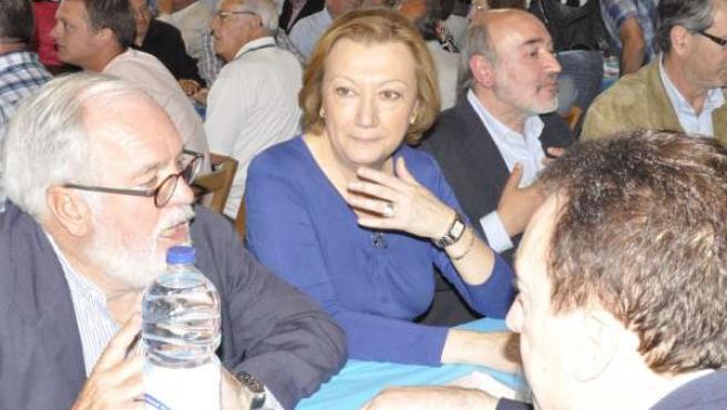 Arias Cañete y Luisa Fernanda Rudi