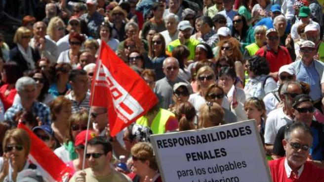 Marchas a pie contra el desmantelamiento de Laredo