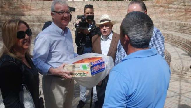 Prensa PP Regional NP Valcárcel Se Compromete A Pedir Ayudas Para La Sequía (Aud