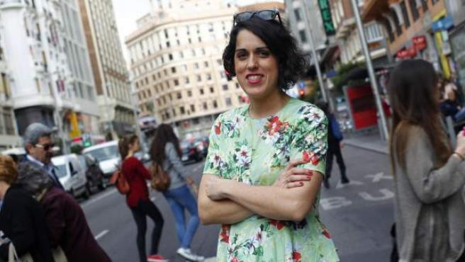La fundadora del club de las malas madres, en plena Gran Vía madrileña