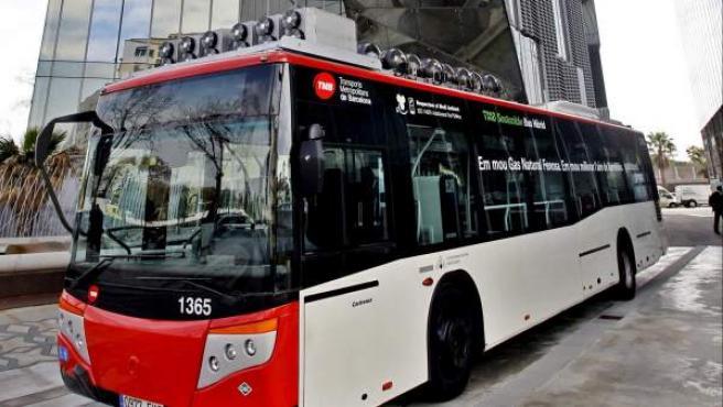 Autobús urbano que utiliza gas natural como combustible.