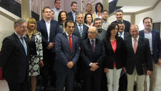 Cristóbal Montoro con alcaldes y representantes del PP de Córdoba