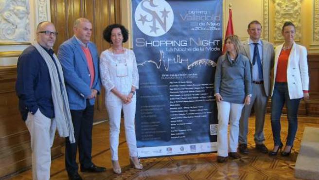 Labarga y Cantalapiedra (izq) con Del Hoyo (tercera drcha) presentan el evento