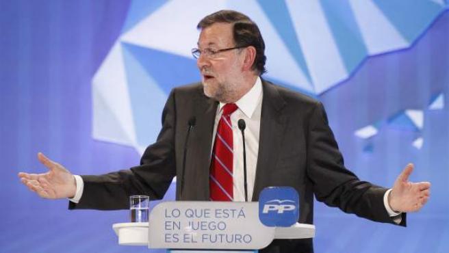 El presidente del Gobierno, Mariano Rajoy, durante el mitin de cierre de la campaña del Partido Popular.
