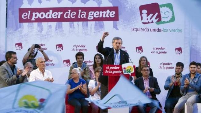El candidato al parlmento Europeo por IU, Willy Meyer, durante el mitin celebrado en Sevilla con motivo de las elecciones europeas del 25 de Mayo.