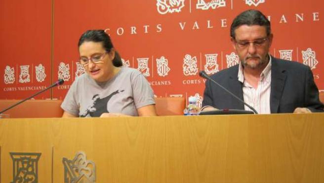 Juan Ponce en una rueda de prensa junto a Mónica Oltra