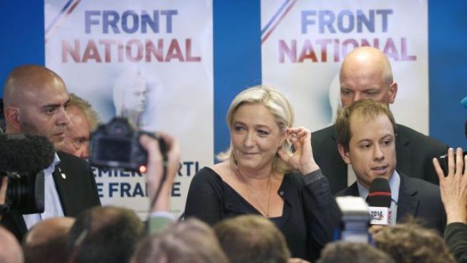 Le Pen, tras conocerse la victoria de su partido, el Frente Nacional, en las elecciones europeas en Francia.