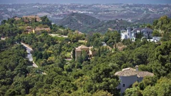 Vista parcial de la urbanización de La Zagaleta, en Benahavís (Málaga).