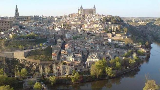 La ciudad del Tajo desde el Mirador del Valle.
